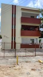 Apt 3 quartos Olinda/Rio Doce 100m do mar. R$980