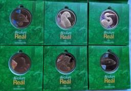 Vendo série de medalhas de bronze da casa da moeda.