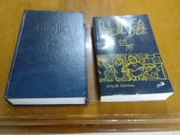 Vendo 2 bíbilias.