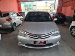 Toyota Etios Sedan 2013 1.5 1 mil de entrada Aércio Veículos jfd
