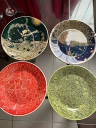 Coleção pratos de porcelana