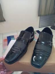 Sapato novo na caixa n° 42