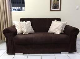 Sofá e cadeiras decorativas