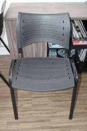 Cadeira de Escritório / em Plástico Preto 80 cm x 46 cm x 46 cm