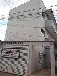 Título do anúncio: Alugo Apartamento 2 quartos prox portal shop e hugol
