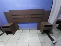 Cabeceira de cama usada.