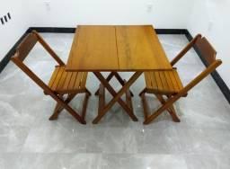 Jogo de mesa+cadeira(70x70) dobrável produto impermeável produzido com madeira de lei.