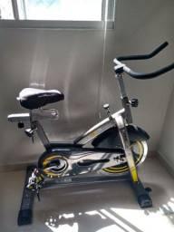 Bicicleta spinnign semi Nova