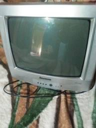 Vendo tv de cubo pequena e um colchão de casal