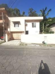 L1368 Casa Semi Mobiliada com 2 quartos no bairro Fazenda em Itajaí