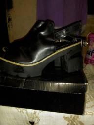 Sandália Tipo Bota