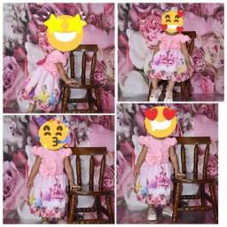 Vestido tema princesa 2 aninhos