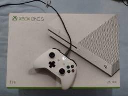 Xbox One S 1T + Jogos
