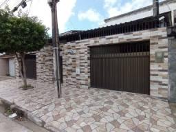 Alugo excelente casa com 3 quartos, piscina no Bairro de Água Fria / Recife