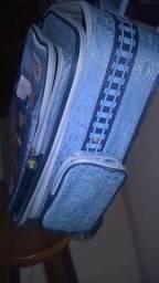 linda mochila do thomas e seus amigos com rodinhas. original apenas 60,00