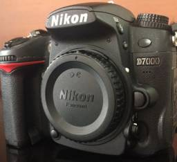 máquina fotógrafica nikon D7000
