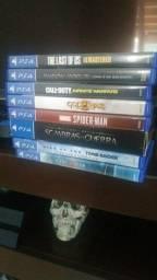 Playstation 4 de 1 T , controle e 8 jogos