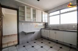Apartamento Cobertura para aluguel, 3 quartos, 1 suíte, 2 vagas, Centro - Divinópolis/MG