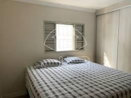 Apartamento à venda com 2 dormitórios cod:V690