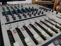 Mesa de Som Yamaha mw12c 12 Canais com Interface USB
