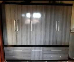 Guarda-roupa 6 portas 4 gavetas em perfeito estado