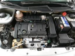 Peugeot / 207 hatch xs 1.6 flex automático - 2013