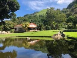 Lindo sítio em Maricá aos pés da montanha e com um lindo lago com peixes