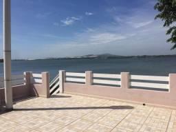 Baixou! Sobrado com 230m², frente para a Lagoa da Ibiraquera, 4 dormitóirios, Imbituba/SC