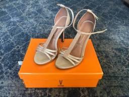 Vendo sandália festa 35