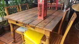 Mesa e cadeiras de demolição