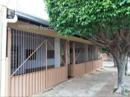 Casa com 03 quartos no bairro Guanandi