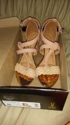 Sandália nova usada apenas por 3h no casamento