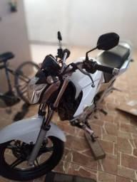 Moto Yamaha Fazer 250 2013/2014