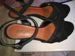 Sandália marca amore
