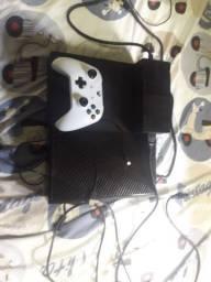 Vendo esse xbox ou troco por ps4 todos os jogos são internos