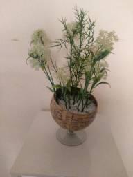 Vendo um vaso de flores de vidro lindo p decoração.