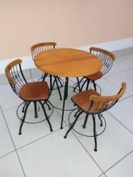 Conjunto mesa 4 cadeiras bistrô com regulagem de altura