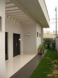 Casa Térrea 4/4 - Condomínio Jardins Lisboa - 280 m²