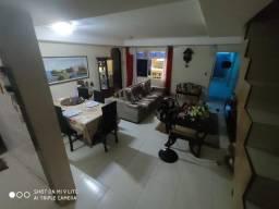 Jean Charles/Candeias: Casa reformada , 05 quartos , 03 vagas