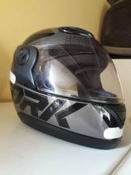 Vendo capacete g7 usei apenas 3 vezes vendi a moto estou vendendo
