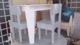 Mesinha Com Cadeiras