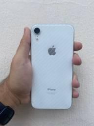 Iphone XR branco muito conservado com garantia e bateria em 94%