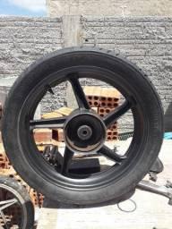 Roda traseira tuister usada