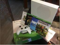 Xbox One 1TB / All Digital / Semi Novo / 3 meses Garantia Americanas / NF / 3 jogos