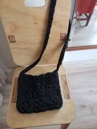 Bolsa preta de crochê (artesanato)