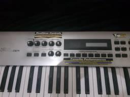 Teclado Sintetizador Roland