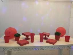 Itens de decoração vermelhos