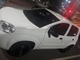 Carro Uno Vivace Fiat de 4 portas  2014 Flex.