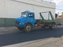 Caminhão Poli - Guindaste