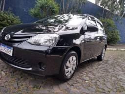 Toyota Etios 1.3 completo